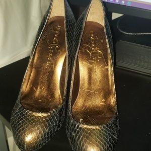 Snack skin heels